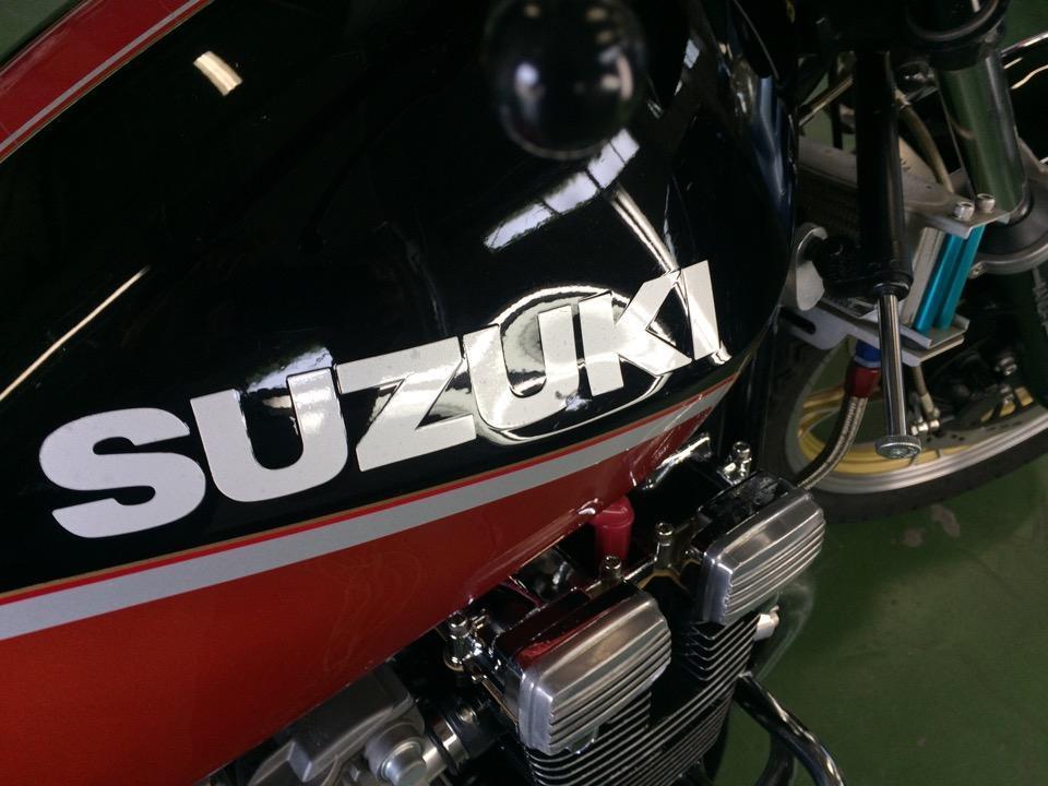 長年のバイクタンクの凹みを修復。スズキ GSX400FS
