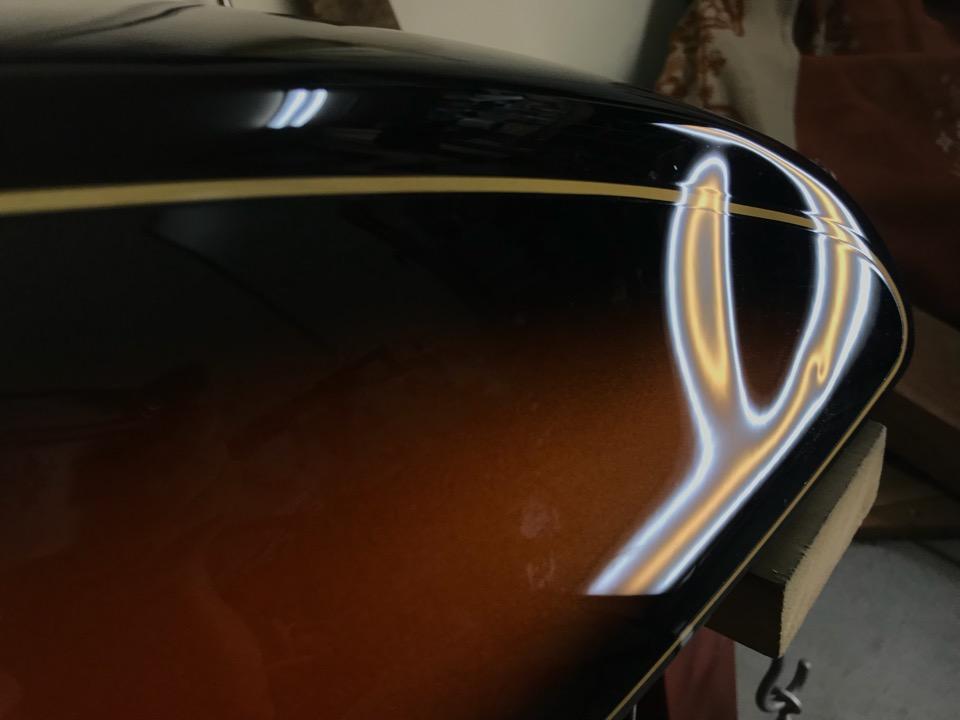 タンクはレアな塗装。SR400