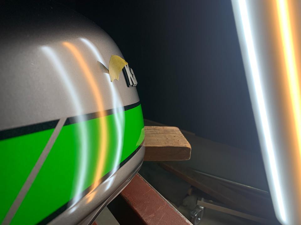 見た目の凹み以上にいろんな条件が絡んできます。Z900RS 静岡県